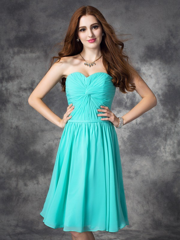 Glamorous A-Line Sweetheart Sleeveless Short Chiffon Dress