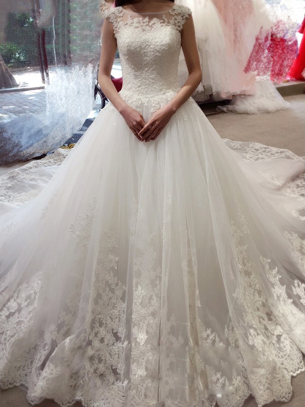 Affordable Ball Gown Sleeveless Bateau Court