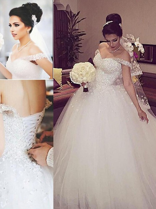 Affordable Ball Gown Off The Shoulder Sleeveless Lace Court Train