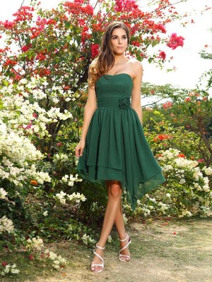 Exquisite A-Line Sweetheart Sleeveless Short Chiffon Bridesmaid Dress