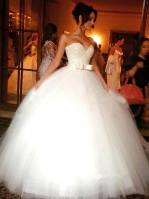 Affordable Ball Gown Sweetheart Tulle Sleeveless Floor-Length Wedding Dress