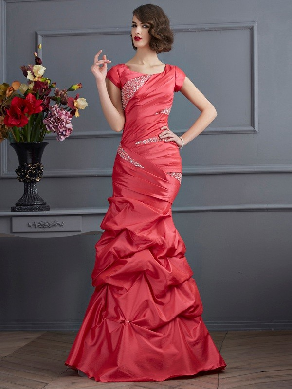 Elegant Mermaid Scoop Short Sleeves Long Taffeta Dress