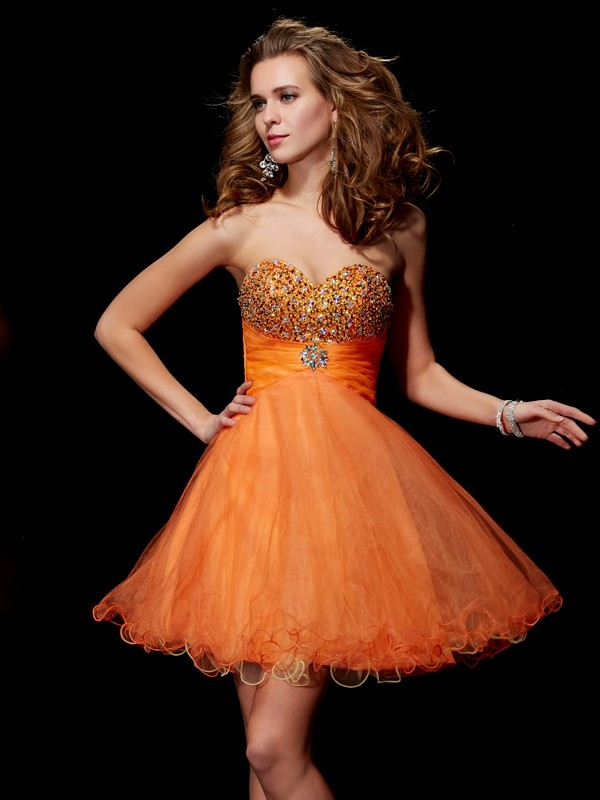 Stylish A-Line Strapless Sleeveless Short Organza Homecoming Dress