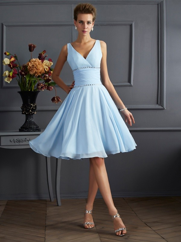 Stylish A-Line V-neck Sleeveless Short Chiffon Bridesmaid Dress