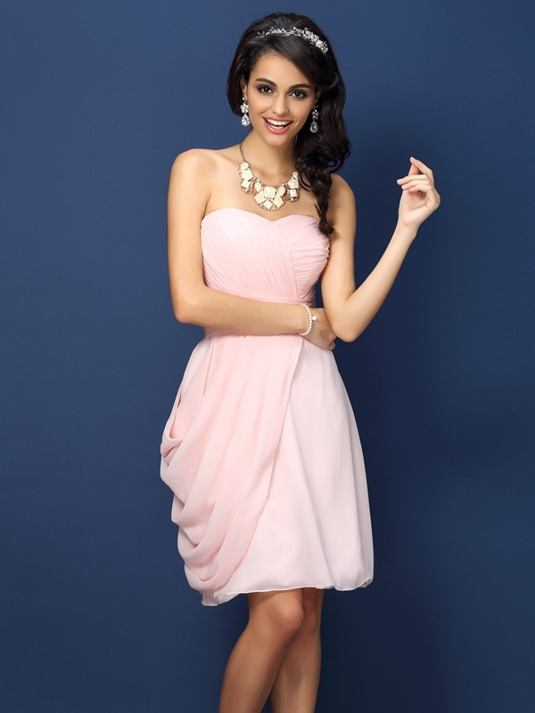 Exquisite Sheath Sweetheart Sleeveless Short Chiffon Bridesmaid Dress