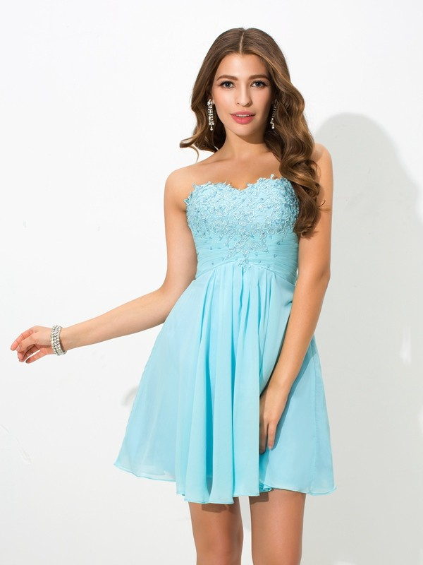 Nice A-Line Sweetheart Sleeveless Short Chiffon Cocktail Dress