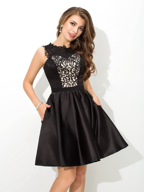 Nice A-Line Scoop Lace Sleeveless Short Satin Cocktail Dress