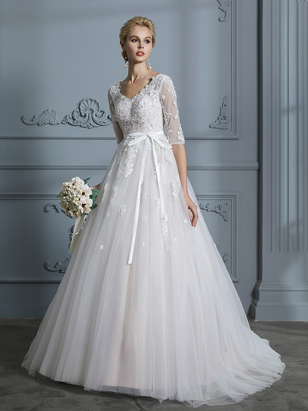 Unique Ball Gown V-neck Court Train 1/2 Sleeves Lace Tulle Wedding Dress
