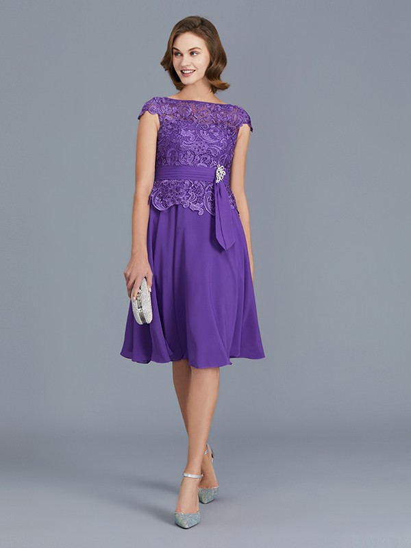 Elegant A-Line Bateau Chiffon Knee-Length Sleeveless Mother of the Bride Dress