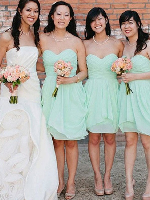 Cheap A-Line Sleeveless Sweetheart Short/Mini Chiffon Bridesmaid Dress