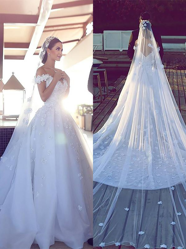 Exquisite Ball Gown Satin Chiffon V-neck Sleeveless Chapel Train Wedding Dress