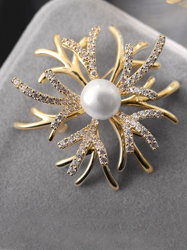 Women's Fashion Copper With Rhinestone Wedding Brooch