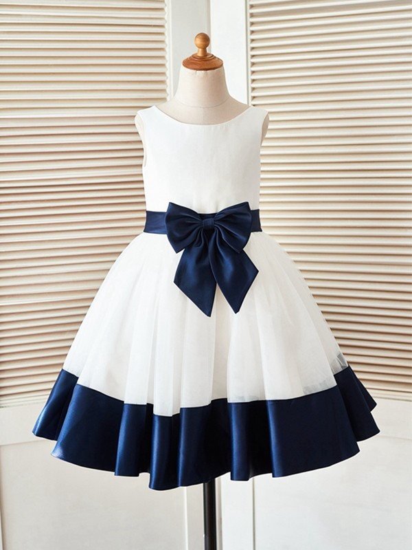 Exquisite A-Line Knee-Length Scoop Sleeveless Satin Flower Girl Dress