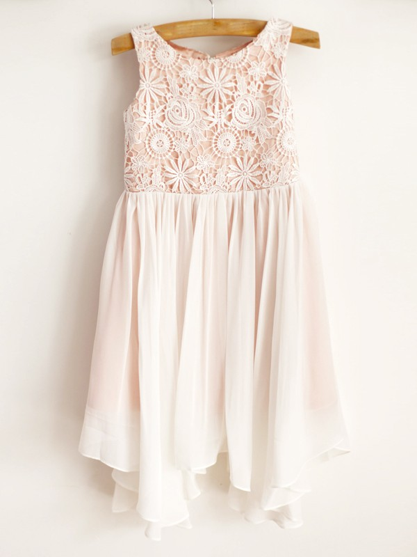 Amazing A-Line Chiffon Lace Scoop Sleeveless Knee-Length Flower Girl Dress