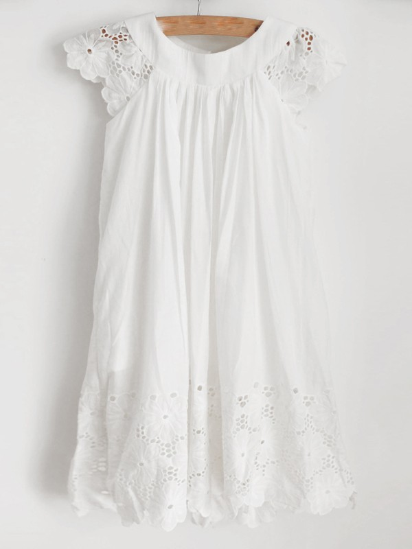 Glamorous A-Line Lace Scoop Sleeveless Knee-Length Flower Girl Dress