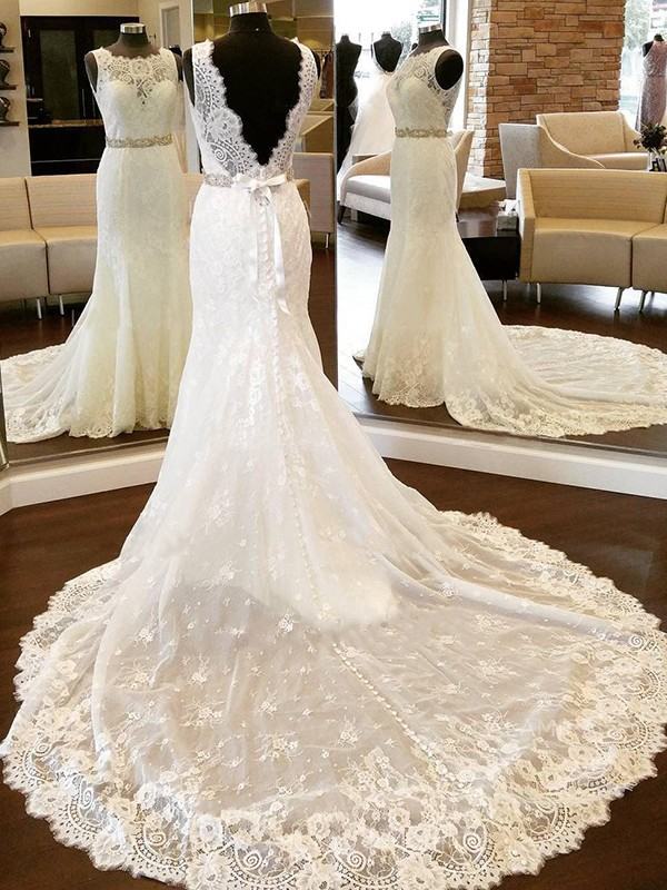 Stunning Sheath Lace Scoop Sleeveless Chapel Train Wedding Dress