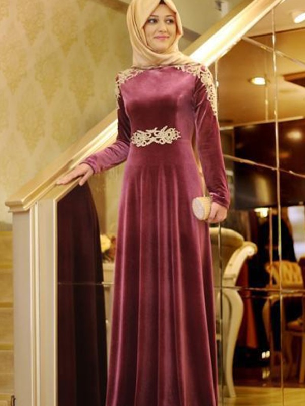 Beautiful A-Line Long Sleeves Scoop Floor-Length Velvet Muslim Dress