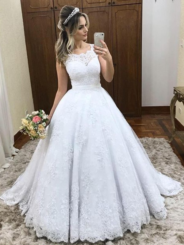 Gorgeous Ball Gown Scoop Sleeveless Sweep/Brush Train Lace Satin Wedding Dress
