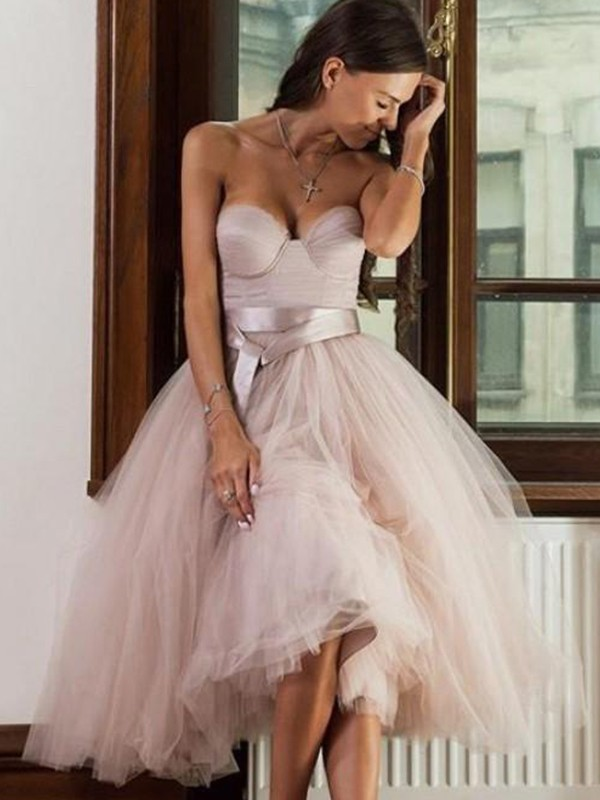 Beautiful A-Line Tulle Sweetheart Sleeveless Tea-Length Dress