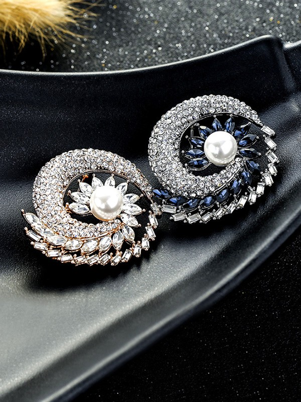 Women's Fashion Alloy With Crystal Wedding Brooch