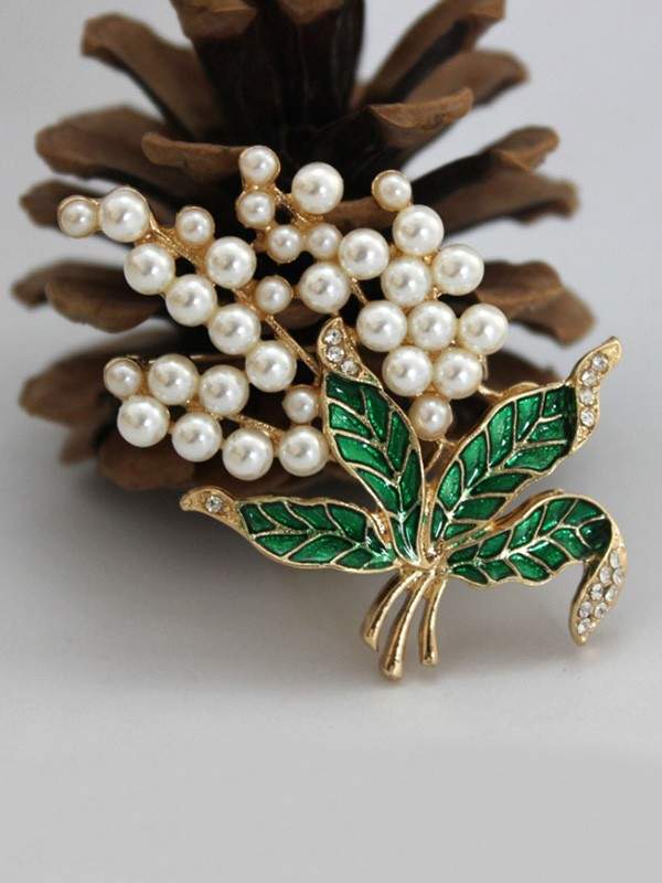Women's Fashion Vintage Alloy With Imitation Pearl Wedding Brooch