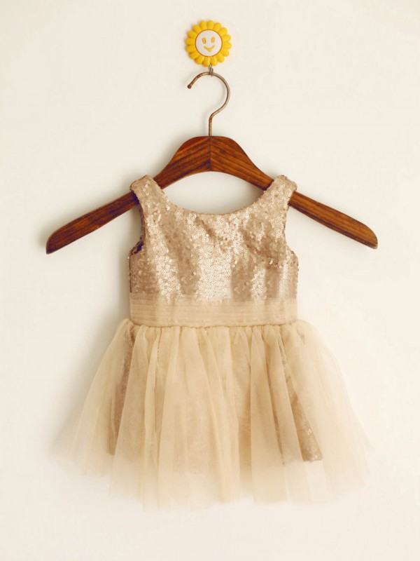 Elegant A-line Scoop Knee-length Flower Girl Dress