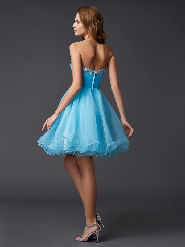 Beautiful A-Line Sweetheart Sleeveless Short Tulle Homecoming Dress
