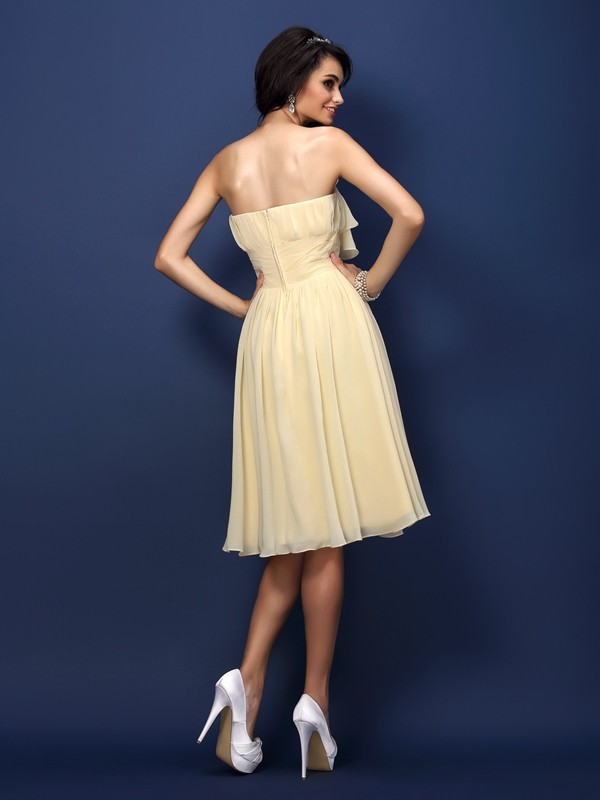 Charming A-Line Strapless Sleeveless Short Chiffon Bridesmaid Dress