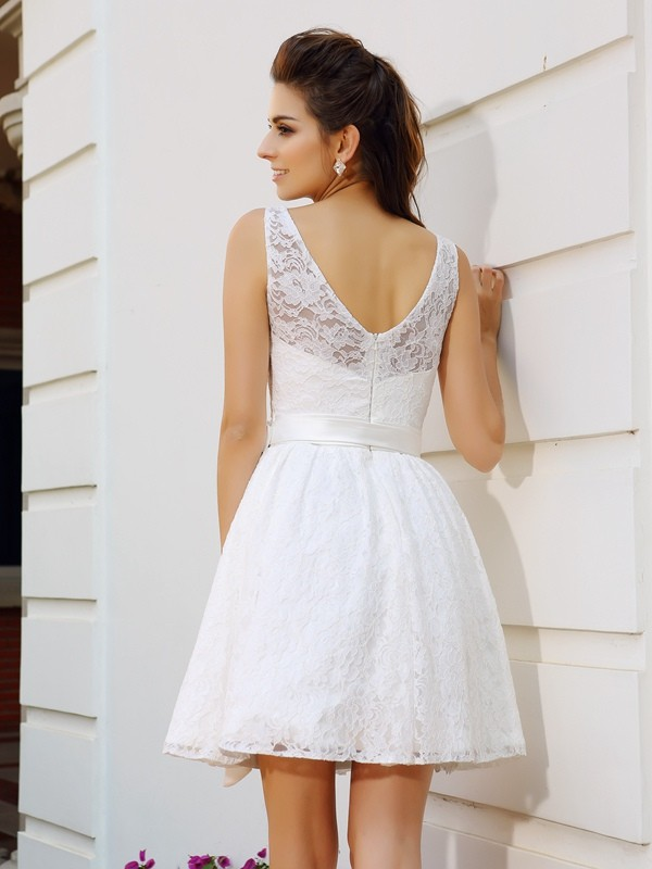 Classical A-Line Scoop Sleeveless Short Lace Cocktail Dress
