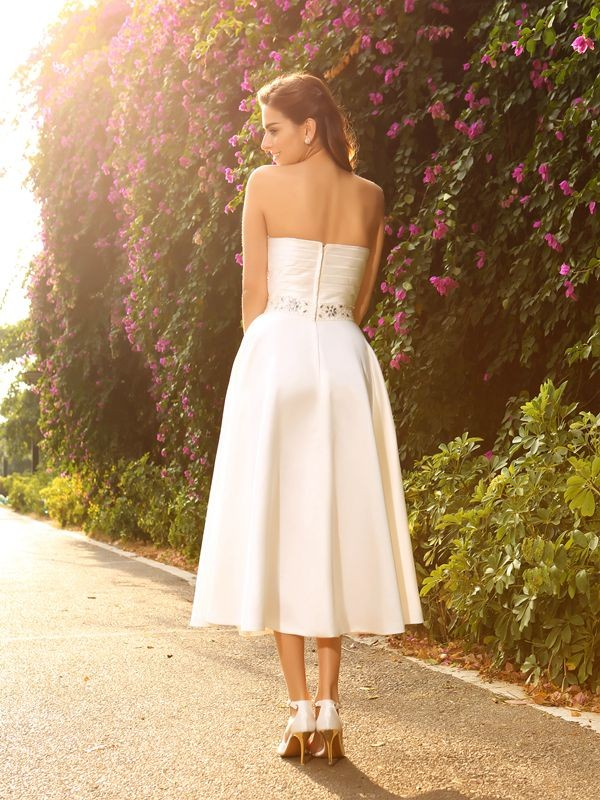 Gorgeous A-Line Sweetheart Sleeveless Short Satin Wedding Dress