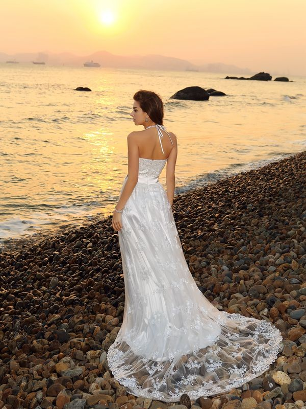 Gorgeous A-Line Halter Sleeveless Long Lace Beach Wedding Dress