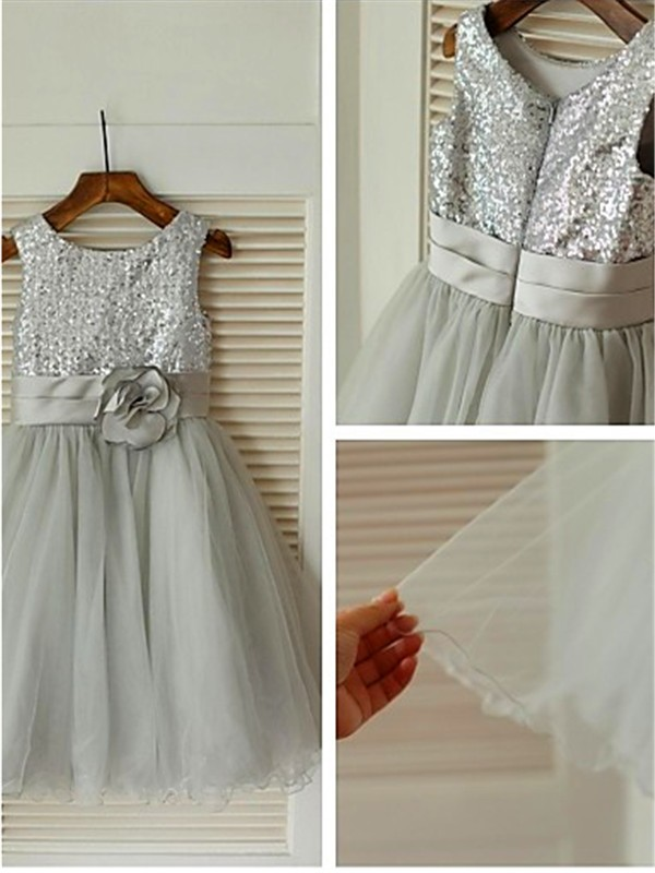 Stunning A-line Scoop Sleeveless Tea-Length Tulle Flower Girl Dress