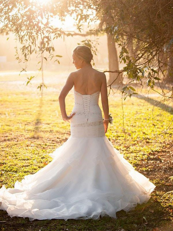 Fashion Mermaid Sweetheart Sleeveless Court Train Tulle Wedding Dress