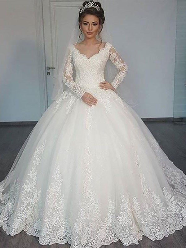 Exquisite Ball Gown Long Sleeves Court Train V-neck Tulle Wedding Dress