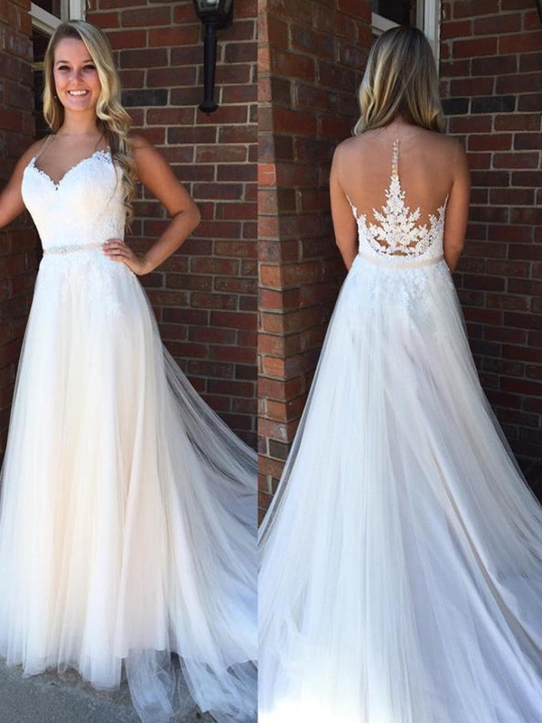 Glamorous A-Line Scoop Sleeveless Court Train Tulle Wedding Dress