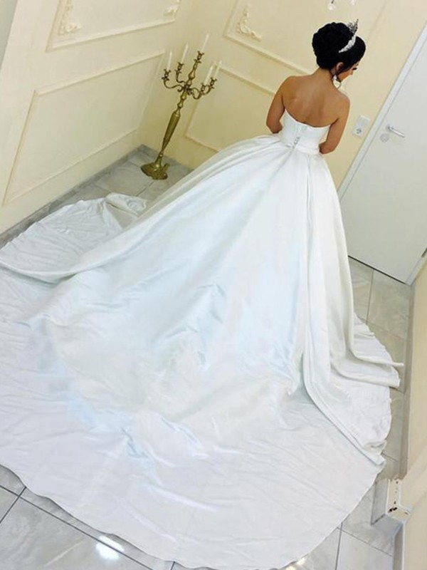 Nice Ball Gown Sweetheart Satin Sleeveless Cathedral Train Wedding Dress