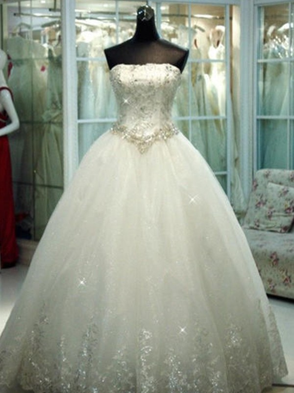 Amazing Ball Gown Strapless Tulle Sleeveless Floor-Length Wedding Dress