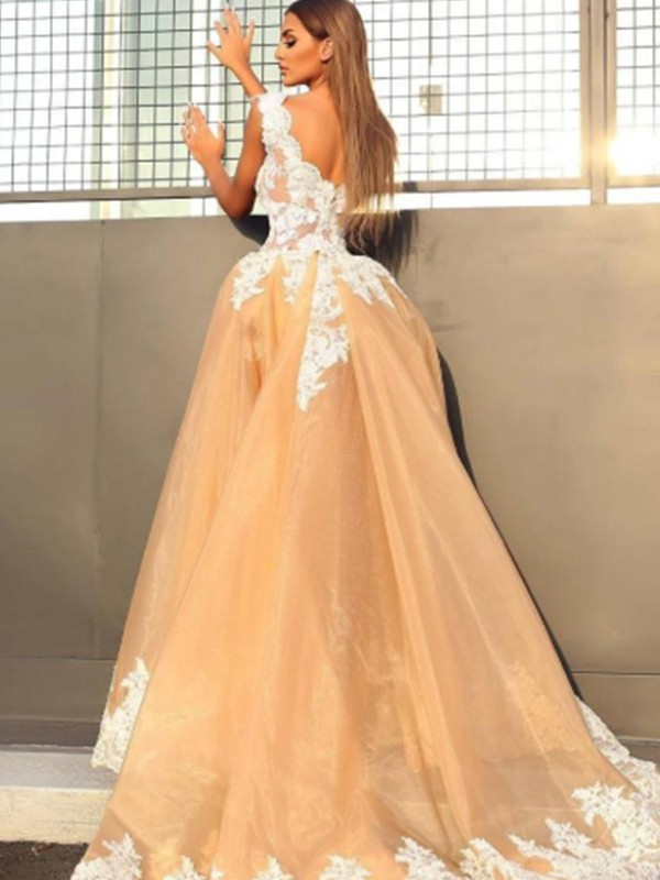 Amazing A-Line Sleeveless V-neck Sweep/Brush Train Lace Organza Dress