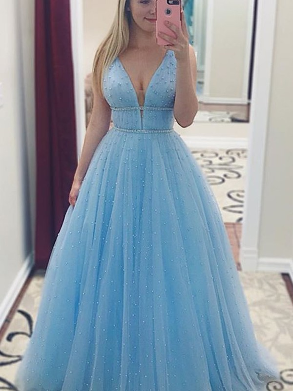 Stunning A-Line Sleeveless V-neck Floor-Length Pearls Tulle Dress