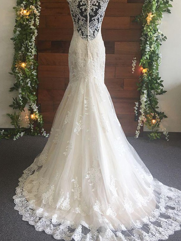 Exquisite Mermaid Tulle Lace V-neck Sleeveless Sweep/Brush Train Wedding Dress