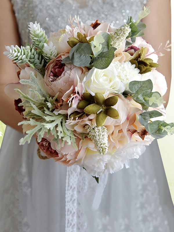 Hot Sale Blooming Free-Form Artificial Flower Wedding Bouquets