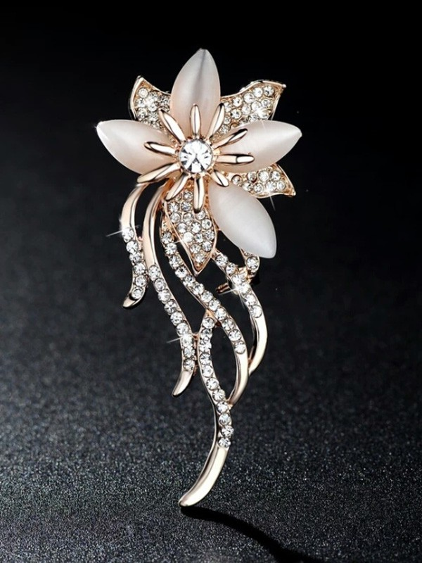 Women's Fashion Alloy With Rhinestone Wedding Brooch