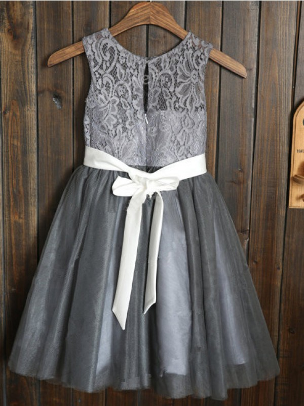 Amazing A-line Scoop Tulle Tea-length Flower Girl Dress